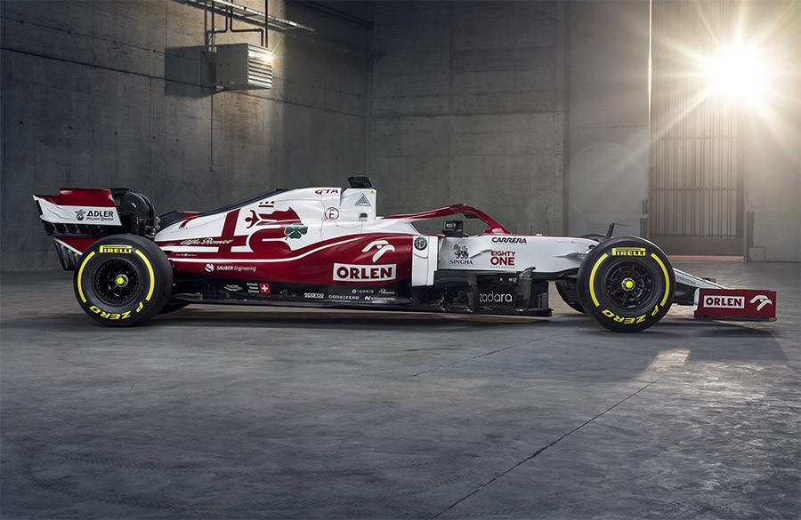 Alfa Romeo apresentou novo esquema de cores com mudança nas áreas vermelhas e brancas