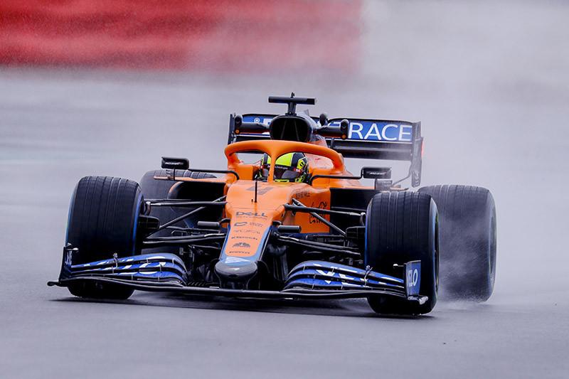 Lando Norris fez o shakedown da nova McLaren MCL35M