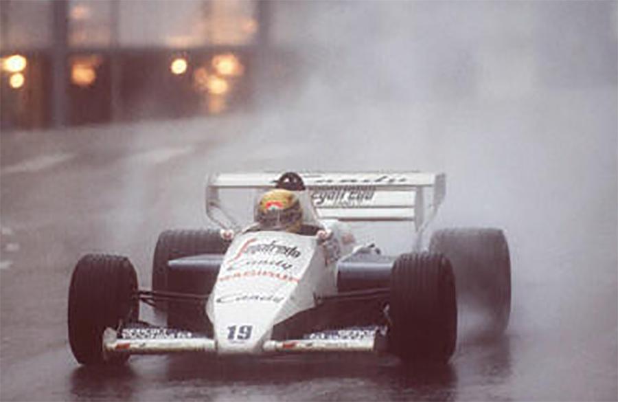 Senna com sua Toleman no famoso GP de Mônaco de 1984