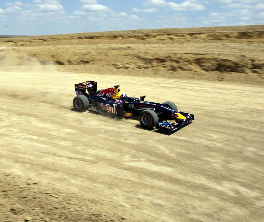 Imagem sobre E se os carros de F1 pudessem correr com tração nas quatro rodas?