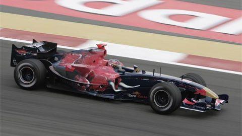 Imagem sobre Toro Rosso STR01-Cosworth e o último motor V10 a competir na F1