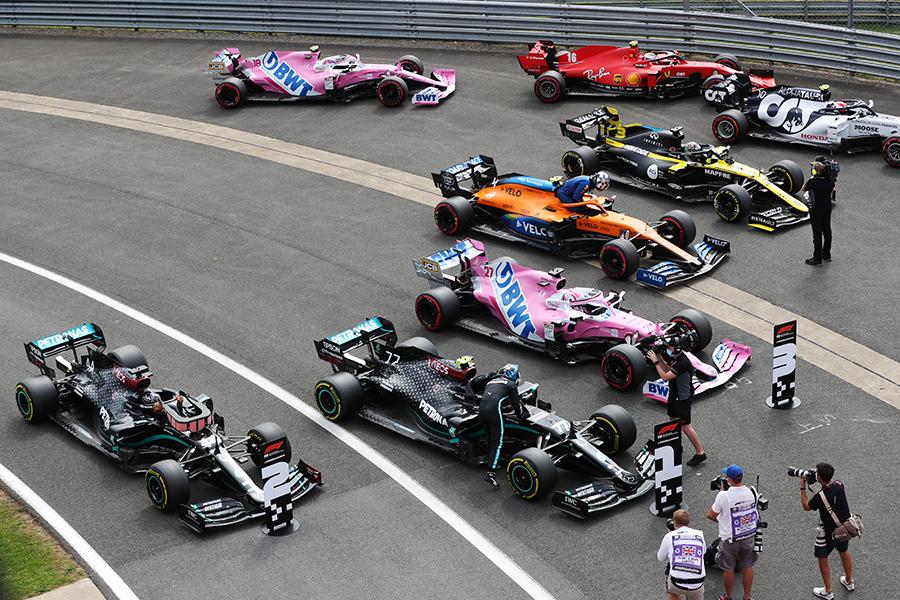 Parque fechado com as atuais equipes de F1: todas assinaram o novo Pacto de Concórdia