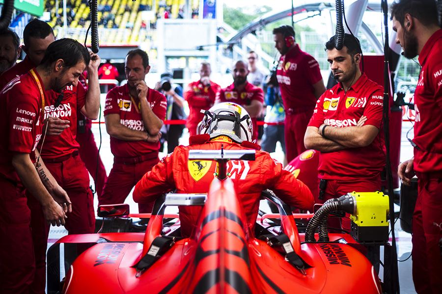 Boxes da Ferrari