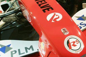 Diamante no bico da Jaguar para o GP de Mônaco de 2004