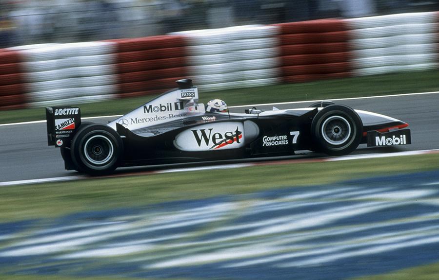 Imagem sobre Dois pedais de freio? Entenda o criativo sistema da McLaren de 1997 e 98