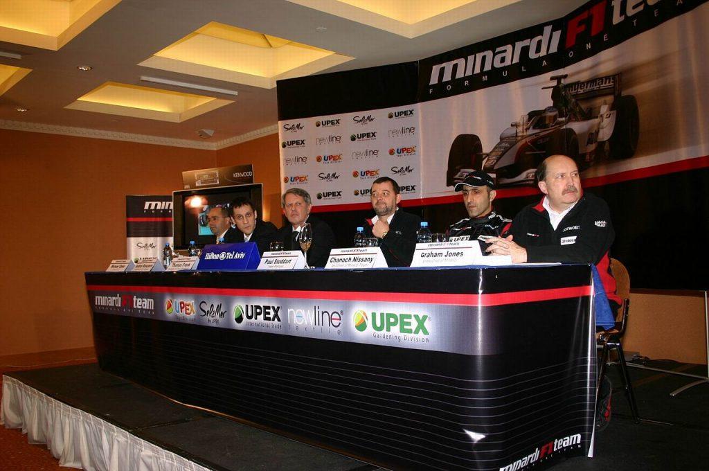 Coletiva de imprensa promovida pela Minardi em Tel-Aviv para anunciar Nissany