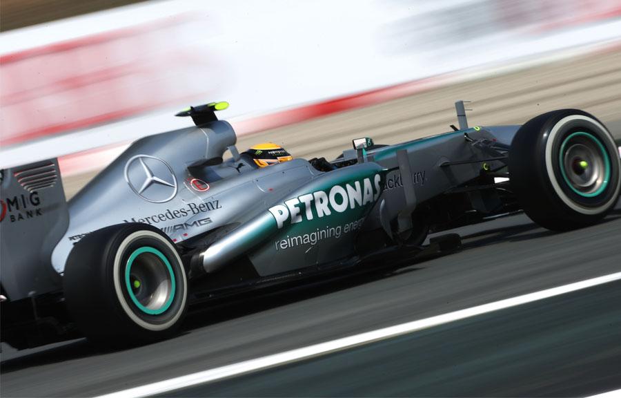 Imagem sobre O polêmico caso do teste ilegal de pneus da Mercedes em 2013
