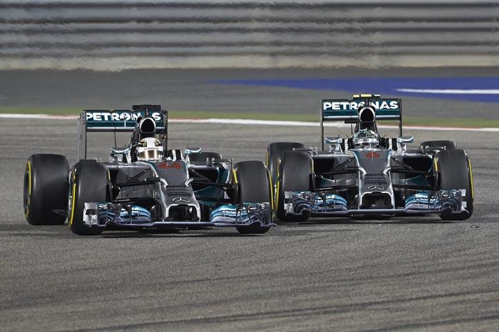 Em situação adversa, Hamilton bateu Rosberg em show de defesa no Bahrein-2014