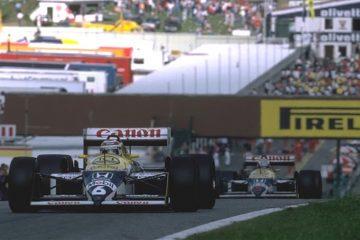 Piquet à frente do companheiro Mansell, em 1987
