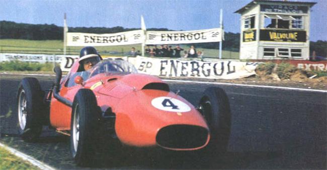 Mike Hawthorn fechou a trágica temporada de 58 com o título pela Ferrari