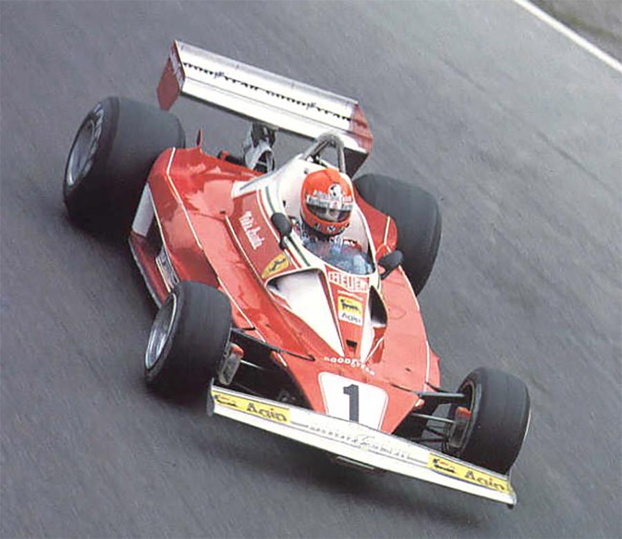 Niki Lauda, com a Ferrari 312T2 em 1976