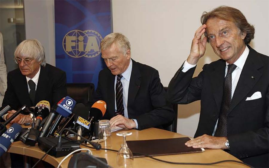 Ecclestone, Mosley, e Luca di Montezomolo, então presidente da Ferrari