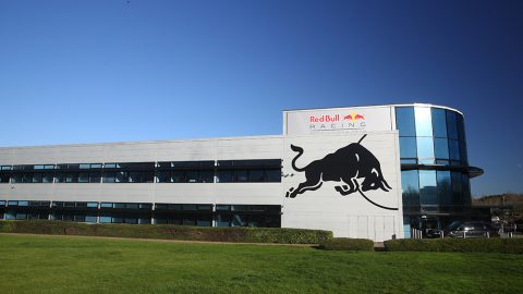 Imagem sobre Entenda o congelamento de motores e o projeto da Red Bull para 2025