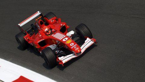 Imagem sobre A regra que acabou com o reinado da Ferrari e Schumacher na F1