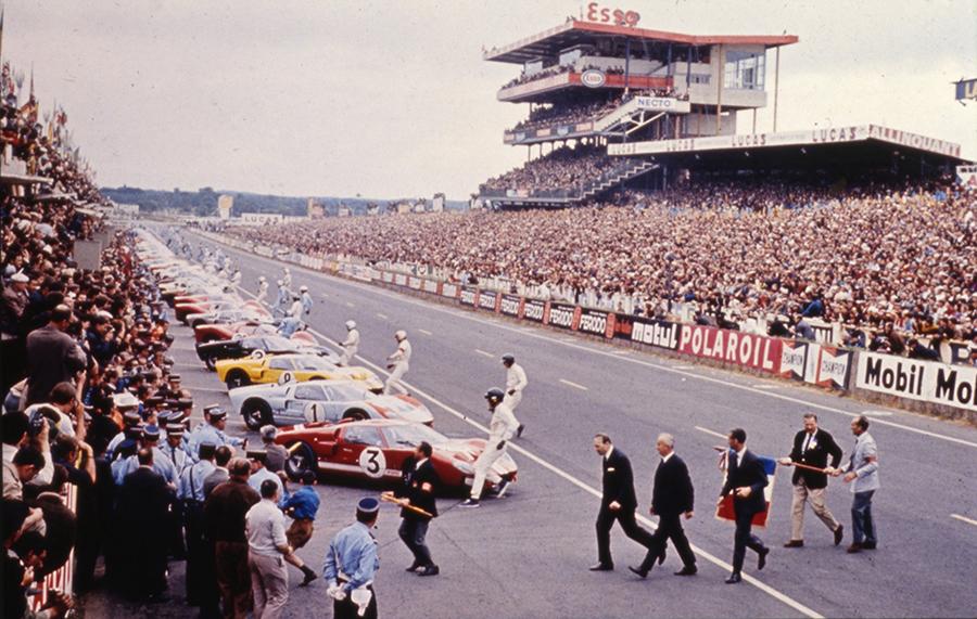 A Ford levou sete carros para o grid de Le Mans em 1966