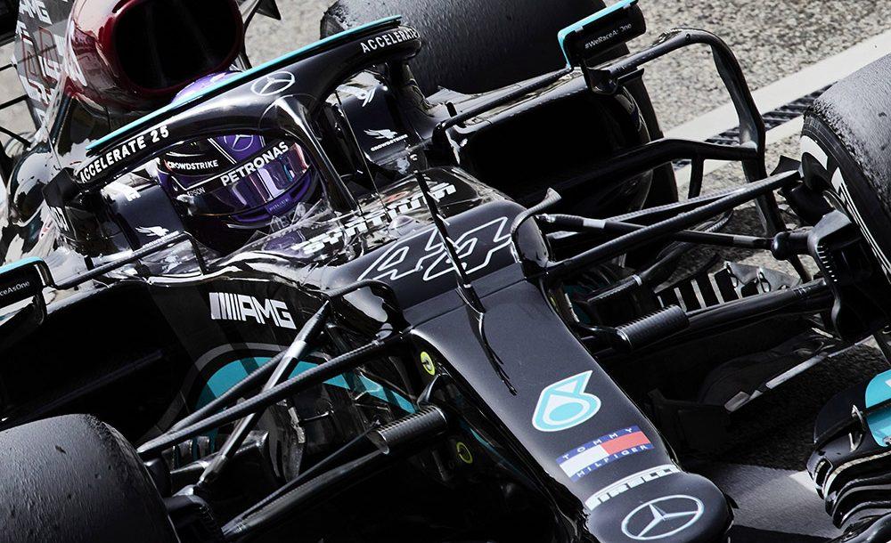 Lewis Hamilton optou por continuar com seu número 44 após seus títulos