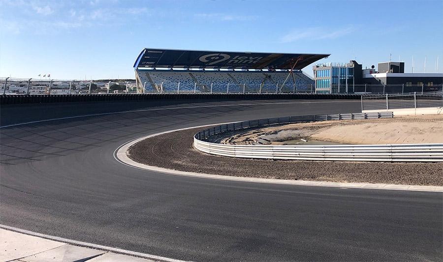 Curva 3 de Zandvoort também ganhou inclinação para que os carros possam carregar mais velocidade em seu contorno