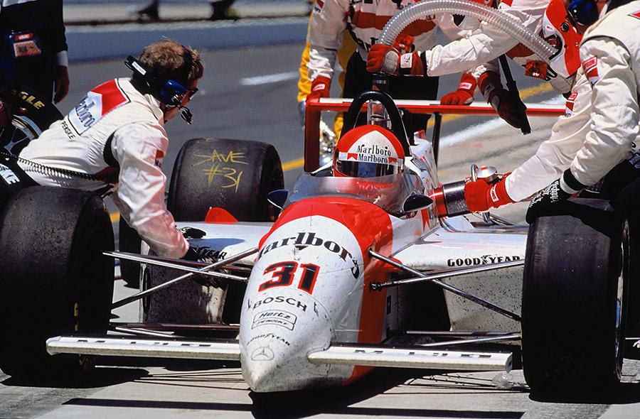 Al Unser Jr no seu Penske-Mercedes nas 500 Milhas de Indianápolis de 1994