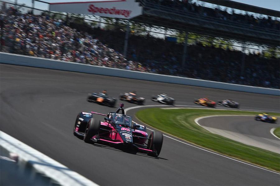 Hélio Castroneves na Indy 500 de 2021 com o Dallara-Honda da equipe Meyer Shank Racing