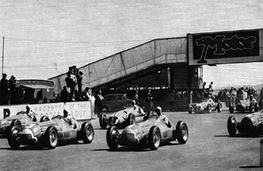 Largada da primeira etapa do Mundial de F1 da história, em Silverstone