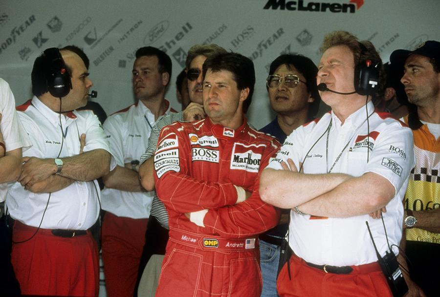 Michael Andretti, nos boxes da McLaren, em 1993