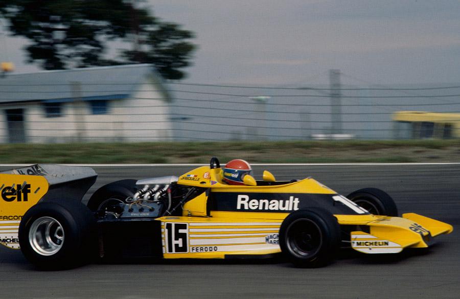 Renault da era turbo não tinha entrada de ar sobre a cabeça do piloto