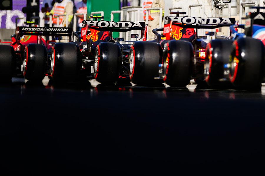 Os pneus sempre foram uma parte sensível para desempenho dos carros de competição, seja qual for a categoria, a ainda mais na F1