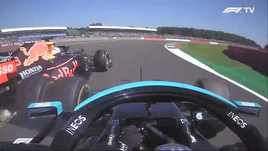 Sequência do lance em frames das on boards de Hamilton e Verstappen na entrada da Copse