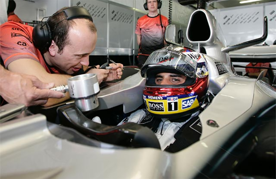 Juan Pablo Montoya correu na McLaren em 2005 e 06
