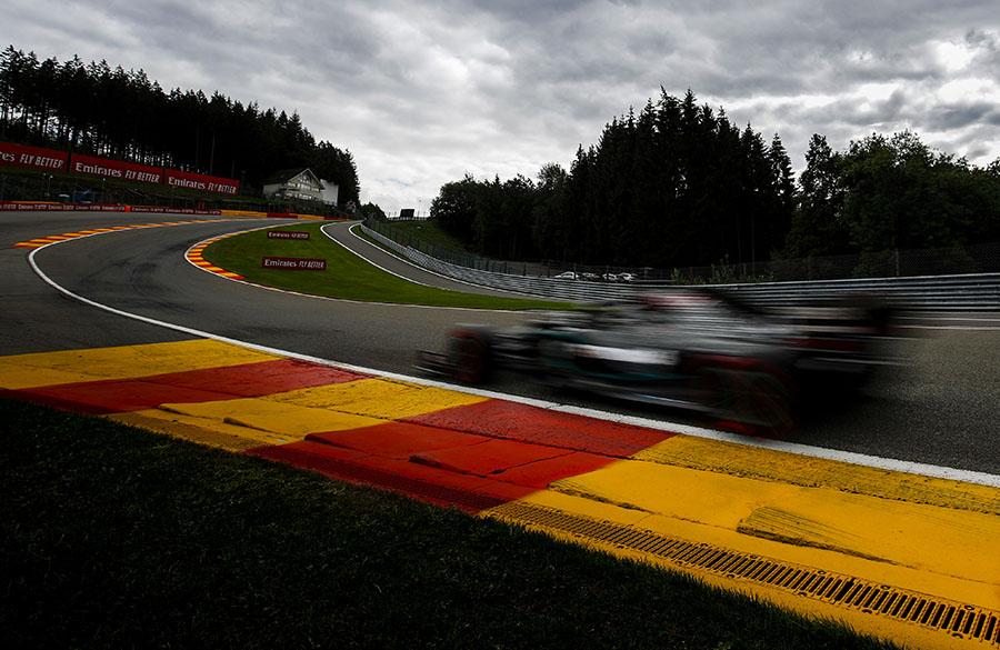 Eau Rouge é uma das curvas mais icônicos da F1